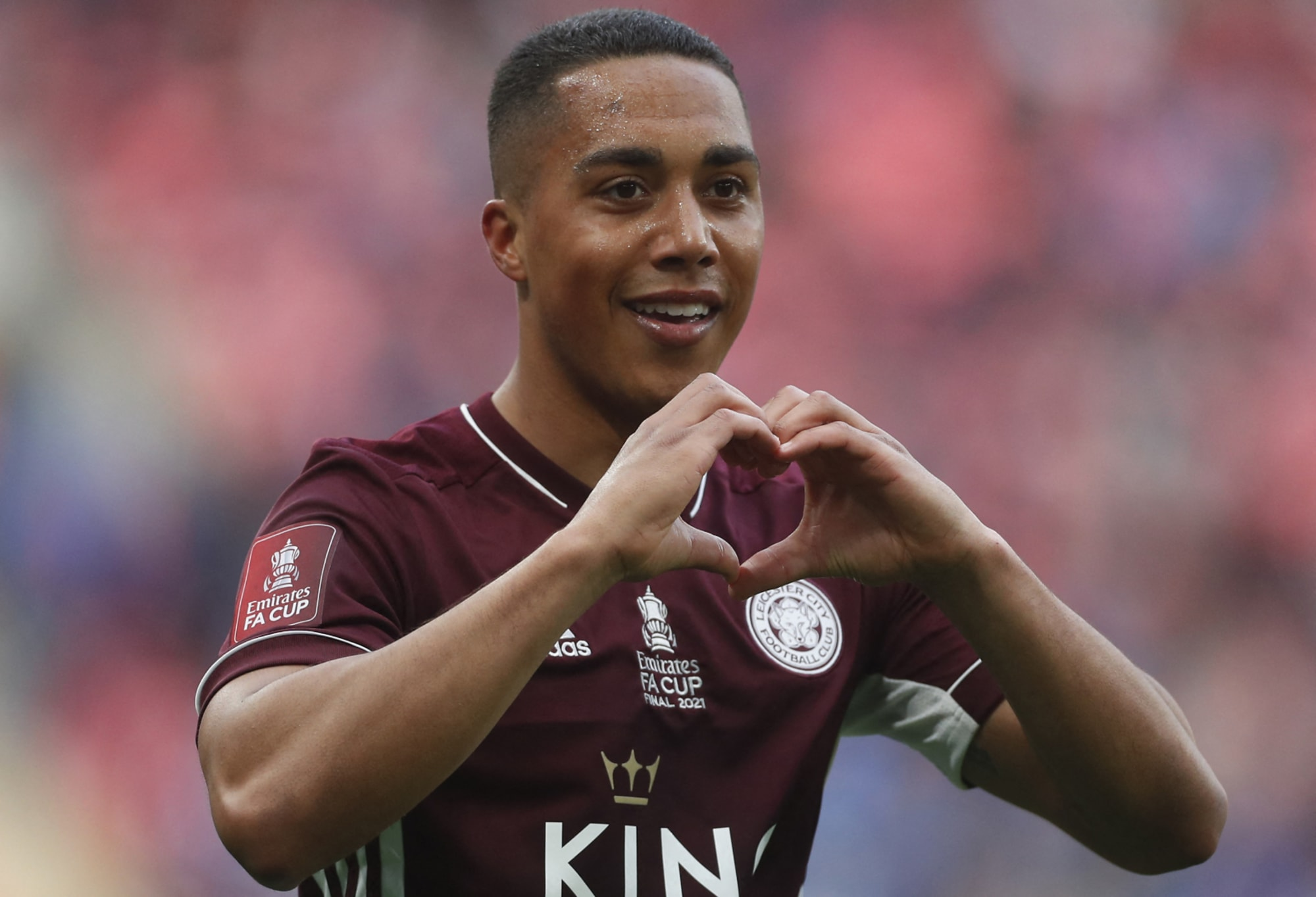 Youri Tielemans pushing for Liverpool move